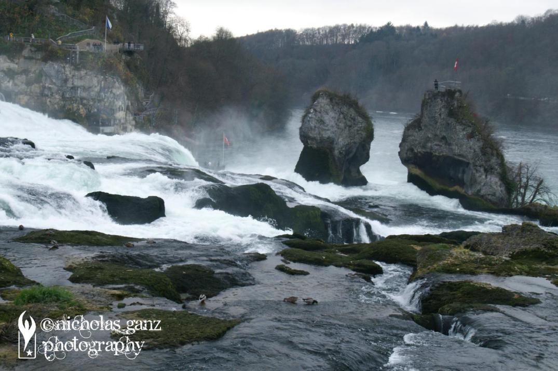 Der Rheinfall in der Schweiz.