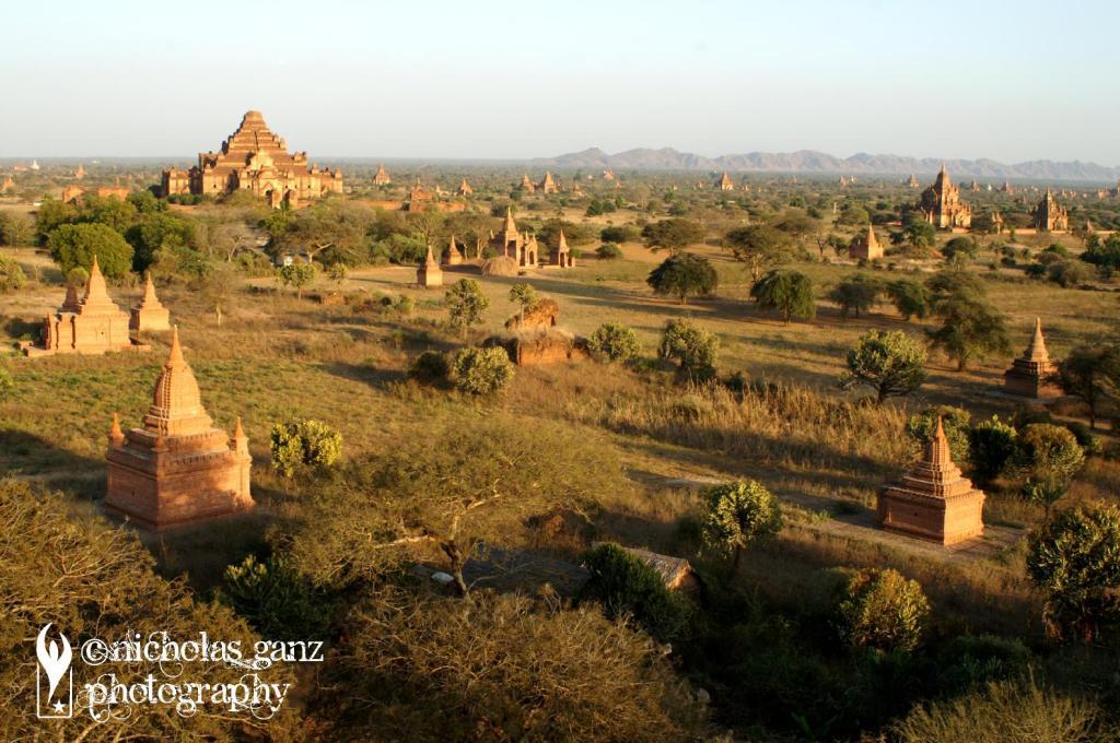 Die historischen Tempel in der alten burmesischen Königsstadt Bagan/Pagan.