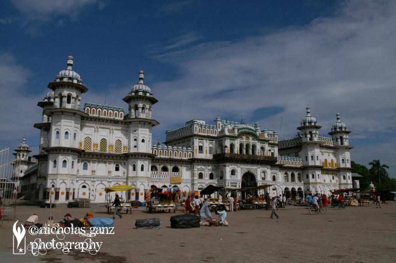 Der hinduistische Janaki Mandir Tempel in Janakpur, Nepal.
